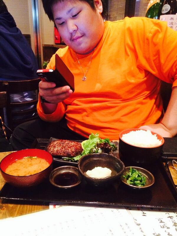 定食が似合う男。恭一郎くんとハンバーグ。 http://t.co/jGRB37gR4c