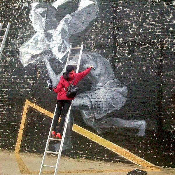 Stunning new mural in progress from #EwelinaKoszykowska with @globalstreetart in London. #AtlasOffering #WallsProject http://t.co/UxEgzHTb6O