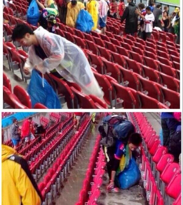 ¿si es cierto? : japoneses limpiaron donde ensuciaron en #Brasil2014 entonces son de admirar e imitar http://t.co/RQHDgo1nft