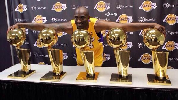 Kobe chillin like http://t.co/3bymT1o2qG