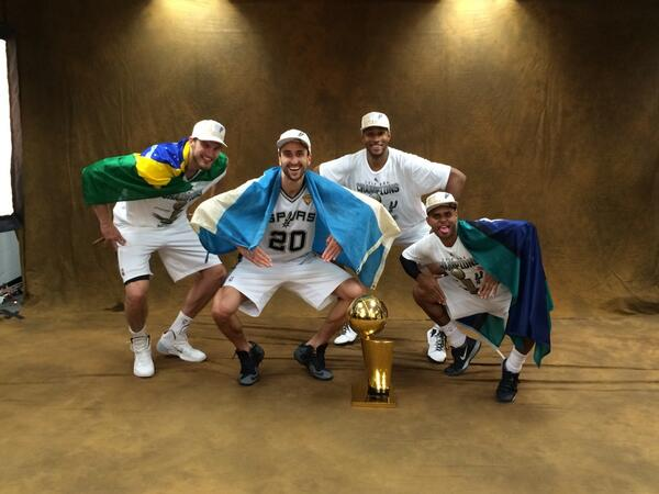 !!!!!!!!!!!!!!!!!!!!!! RT @spurs: #FROGGING with Larry, @manuginobili @Patty_Mills, @theborisdiaw and @tiagosplitter http://t.co/VbRRMOpPHa