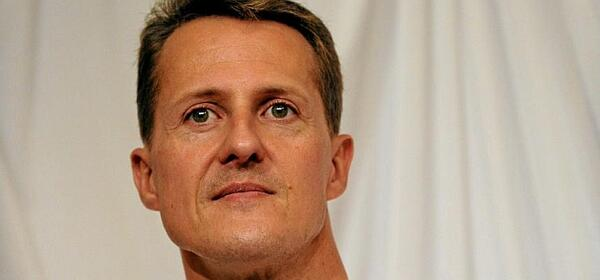 ÚLTIMA HORA | Schumacher sale del coma http://t.co/Vo3SbchvFs http://t.co/ymztwhANIs