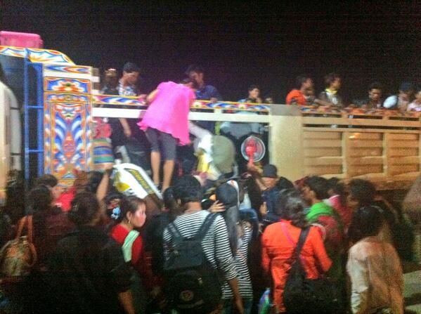 8:47PM More Cambodian migrant workers in Thailand packed and ready to return to home country http://t.co/WshRVr43pr