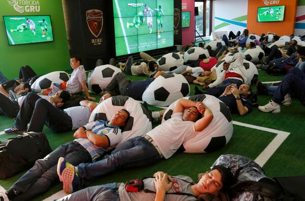 """@Amymacutie: Lol ""@Squawka: The Iran vs. Nigeria game quite literally put these fans to sleep. #IRN #NGA http://t.co/CRUT2TiOKP"""""