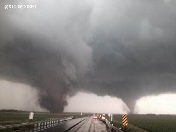 Yikes...that is scary RT @ABC: NOW: Powerful duel tornadoes on the ground near Wisner, Nebraska - @ABCNewsLive http://t.co/Fi3zihcLzs