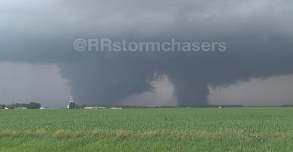 Large twin #tornadoes near Lyons, NE earlier. #newx @TWCBreaking http://t.co/xK8D7Wq22h