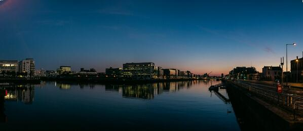 Two panos of the Liffey. One from last night and another from this morning. http://t.co/4rSJ5jDg4B