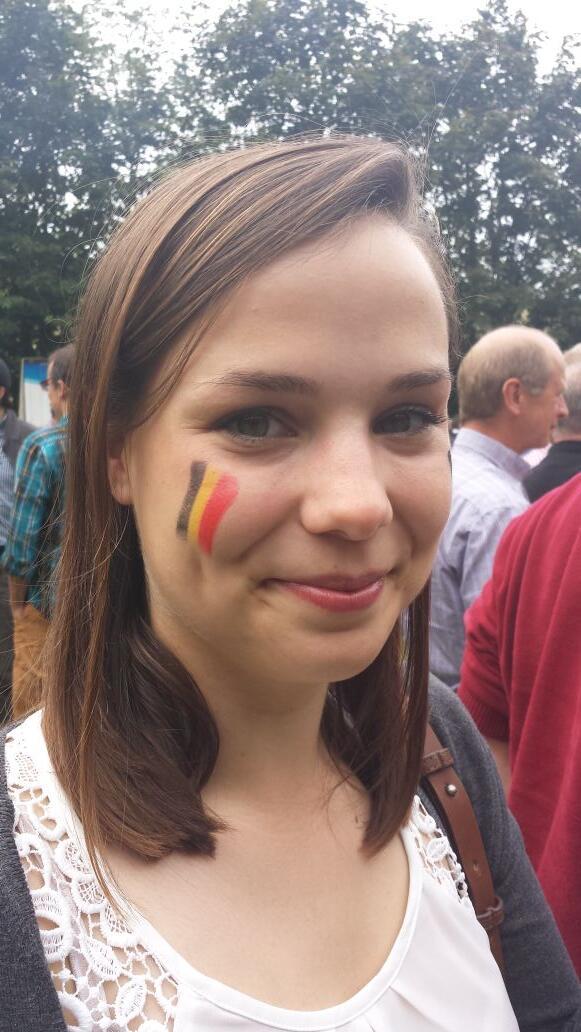 Supporteren @VRT! @EliseVandv http://t.co/0ZtST9eNDS