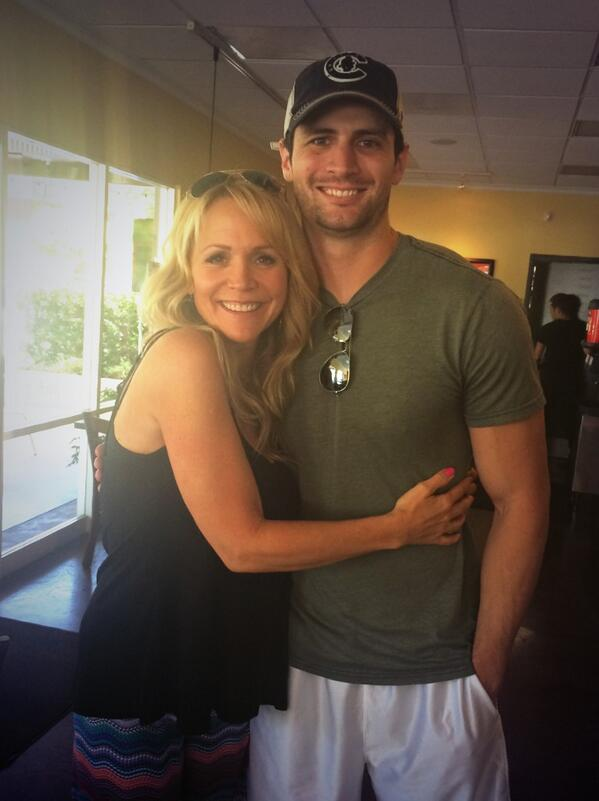 was so happy to grab lunch the other day with @ThisIsLafferty and @NatalieAlynLind ♥️ http://t.co/xGzAmqVGQ4
