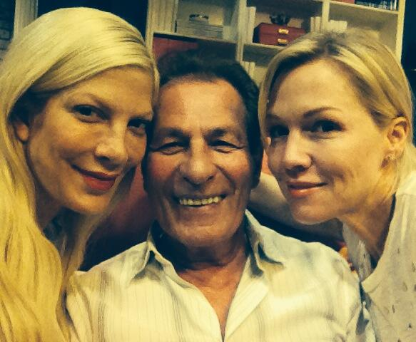 Look who hired the #MysteryGirls this week It's Nat from The Peach Pit! @jenniegarth  @ABCFamily @torianddean http://t.co/xqxW5cGbXl