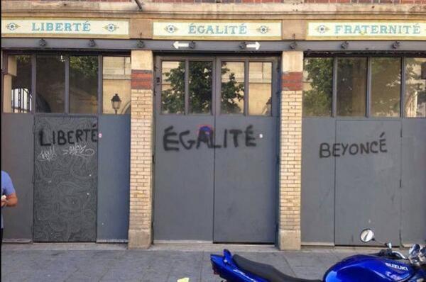 Liberté, Egalite, Beyoncé http://t.co/MrU3bvwfyT