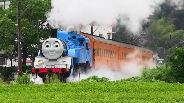 ダメだこれ3歳児に見せたらぜったい朝から晩までせがまれる危険すぎるgkbr QT @zoupano: #大井川鐵道 #トーマス #試運転 http://t.co/Q1E0f2jZ0d