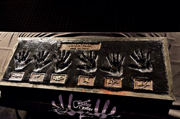 EXCLUSIVE FIRST LOOK at @linkinpark's #rockwalk plaque. http://t.co/yrqFOy5fMq