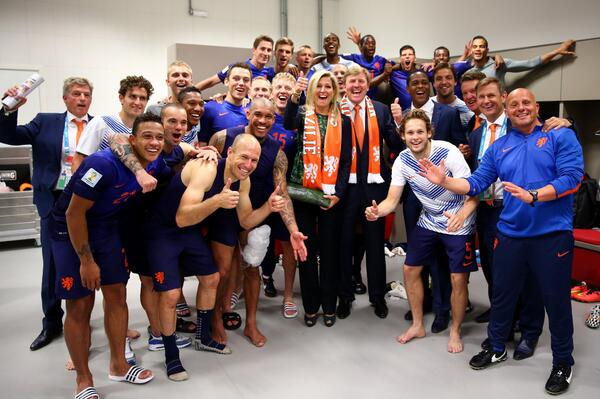 Oranje ontmoet Oranje.  http://t.co/vG9o1TUyaB