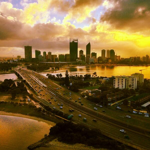 Do you ever wake up looking this good? Doubt it. #Perth http://t.co/E6cmQbQL0v