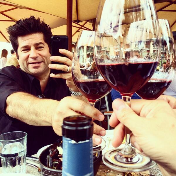 First toast #fwclassic w/ '05 @fonsalette Résérve Cotes-du-Rhône @AjaxTavernAspen w/ @billyharris @baltzco @grdovic http://t.co/nSrwzqNlH6