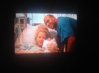Kendra Wilkinson @KendraWilkinson: RT @xlivelovemusic: @KendraWilkinson I'm watching the episode of 'Kendra' when you gave birth to Lil Hank