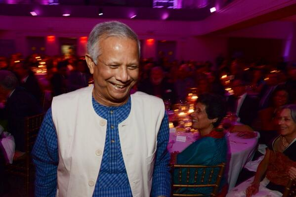 Congrats @DrMuhammadYunus @Yunus_Centre on #LotusCircle award for helping women to lift themselves out of poverty http://t.co/N3wyfnLTbs