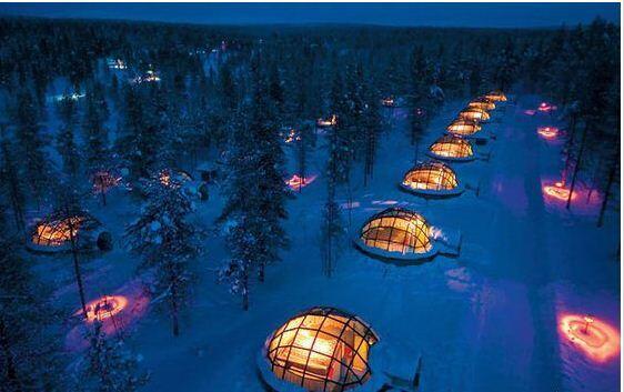 """RT @TravelerPedia: فندق كوخ الإسكيمو """"Kakslauttanen""""، في #فنلندا.  #معلومات_سياحية http://t.co/FMQ4oLMNCb"""