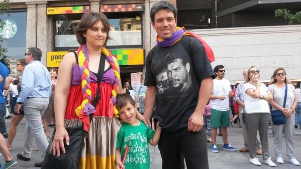 """#C20 Guillermo: """"Siete policías se nos han echado encima, nos han zarandeado y nos han quitado las banderas"""" http://t.co/Tq8eKSqPwD"""