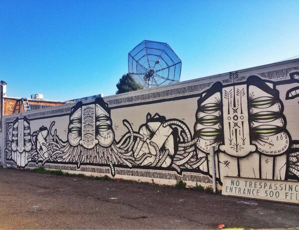 Sweet GATS piece in Oakland, CA. Thanks for the post, _mcq_! Rock on http://t.co/cuybyh2T41 http://t.co/npq3HAmUcz