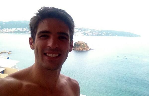 Ramiro Tomasini (@RamiroTomasini): En ACA grabando @SiempreTuyaOf ! @tvaztecaoficial @TalentoAzteca http://t.co/hJ7Q91iPuK
