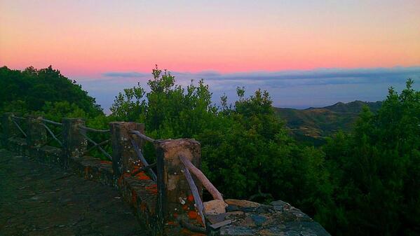 Preciosas vistas! RT @vice2246: @EmocionesCan @canarias_es desde el mirador de Zapata,anaga. http://t.co/ePYq7pWvLy