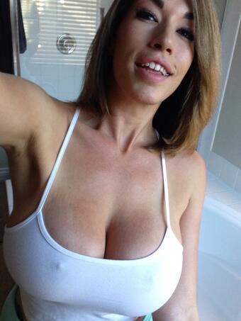 ??? #TittyTuesday #greattits #bigboobs #34DDD http://t.co/ZkCgRzu7xi
