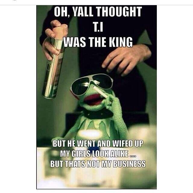 I'm Officially Deaddddddd ���������� #Kermit #NoneOfMyBusiness http://t.co/ypX1bLXKUx