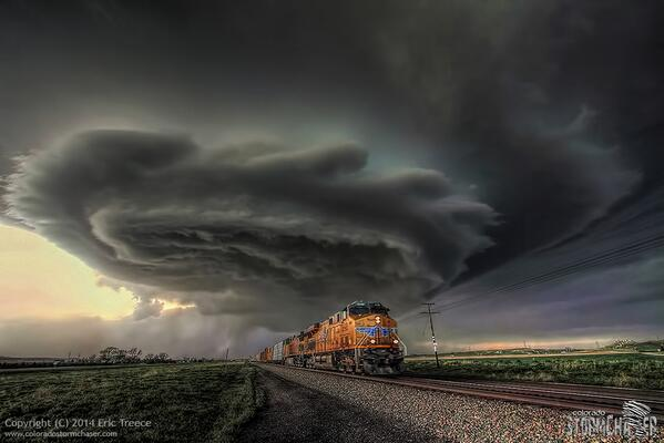 Andrea Butera (@AndreaButera): @JimCantore RT @AndreaButera: Awesome shot!! Storm with train in the forefront! MT @COLOStormChaser:  http://t.co/IXjPyB8cT0