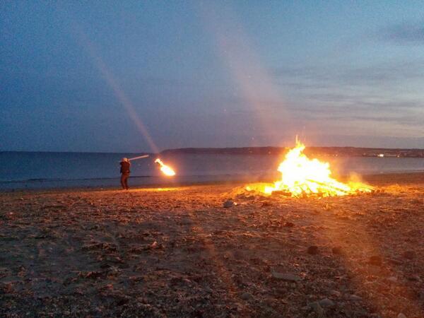 Fire swinging #Midsummer #Cornwall http://t.co/vvMNgMUqCI