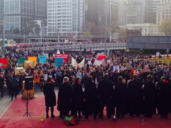 Melbourne you did us proud today as you took to the streets in support of #refugees! #auspol http://t.co/mbTnuCahYS