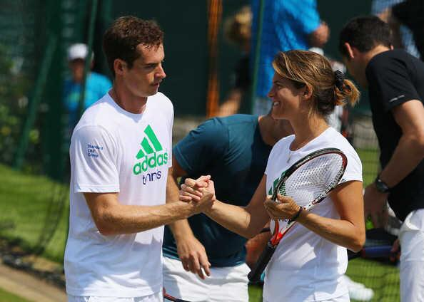 PHOTOS; @andy_murray & Amelie #Mauresmo in today's practice session ... @Wimbledon #Wimbledon2014 http://t.co/sa2jGstRob
