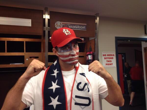 .@Cardinals pitcher Adam Wainwright supports @ussoccer: #USA http://pic.twitter.com/sE4lNQQLPX