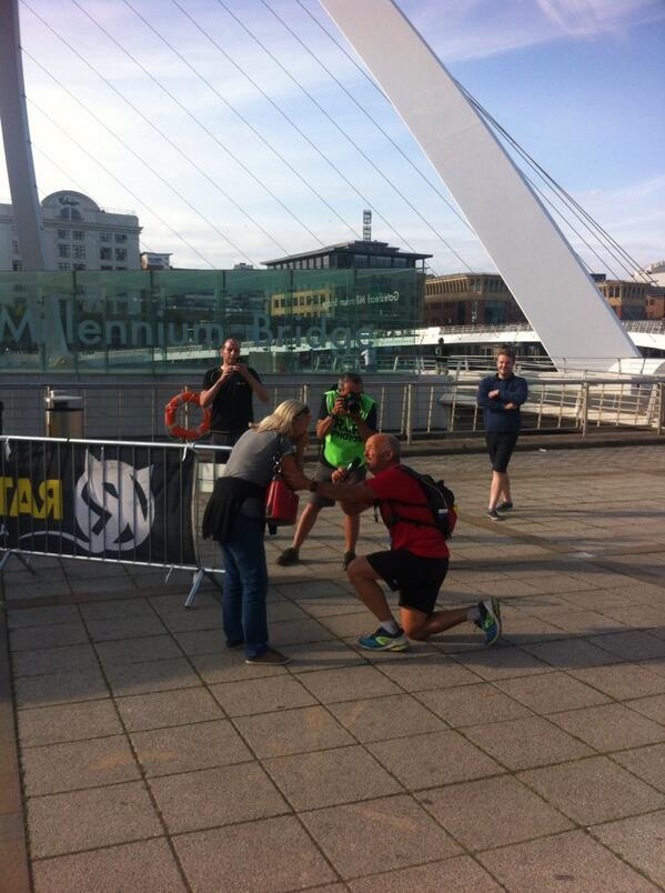 After 69 miles, getting down on one knee must hurt, but she said Yes! Congratulations! #thewallultra http://t.co/9cdejjl56a