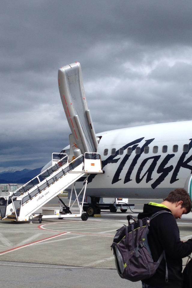 Escape Slide Raft Oops as 737 Escape Slide