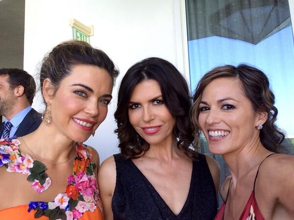 I found my posse! @AmeliasGlimmer @finolahughes #DaytimeEmmys after the carpet pre-show! #YR http://t.co/TfKIRhE7xt
