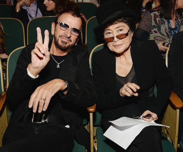 Happy Birthday Ringo! @ringostarrmusic  lots of love, yoko http://t.co/4FnfCJlayh