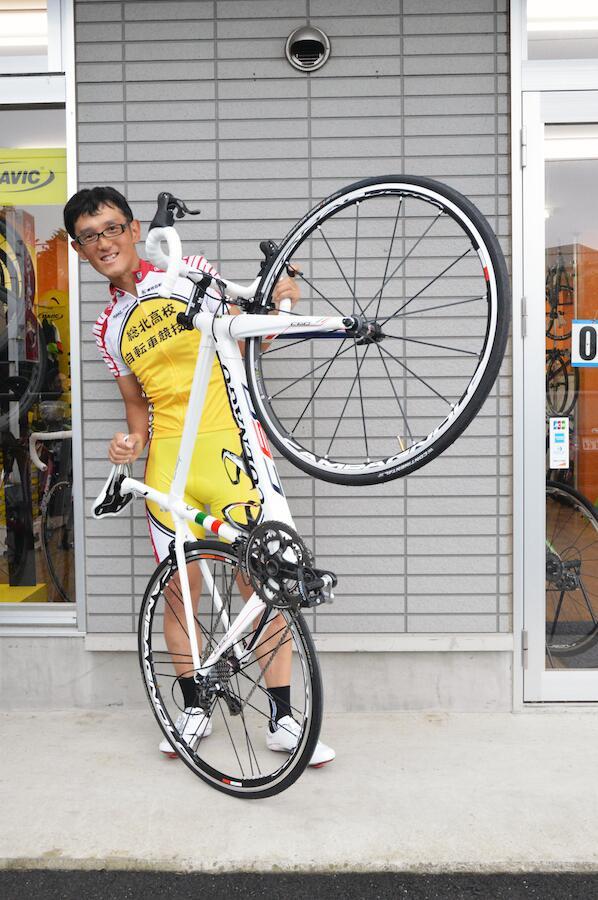 自転車情報。弱虫ペダルの作者・渡辺航さんがコルナゴC60を入手! http://t.co/uHJch1BLqO http://t.co/madzHKSia4