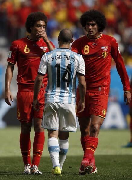 Por acá no pasan!!! Sos ENORME @Mascherano ! Gracias por tanto ..! http://t.co/2jMXV8lIoY