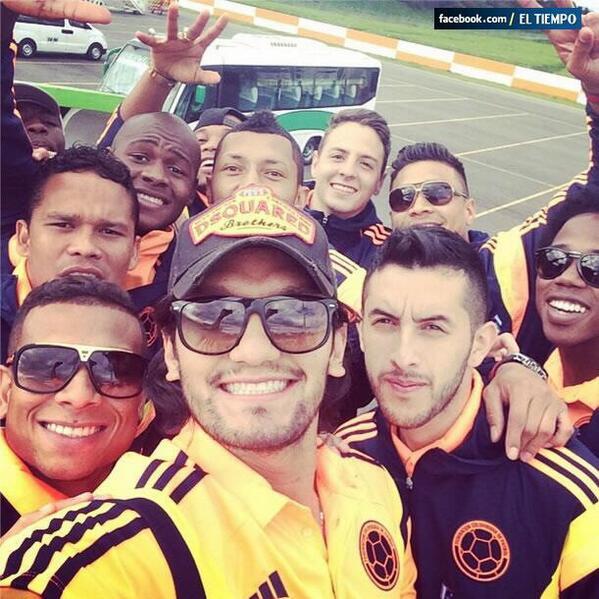 Y esta es la selfie de @FCFSeleccionCol! Vía @ELTIEMPO http://t.co/uJwpMrJ7gh