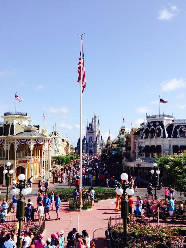 Good morning from main st USA train station http://t.co/d60Gqy8z8r