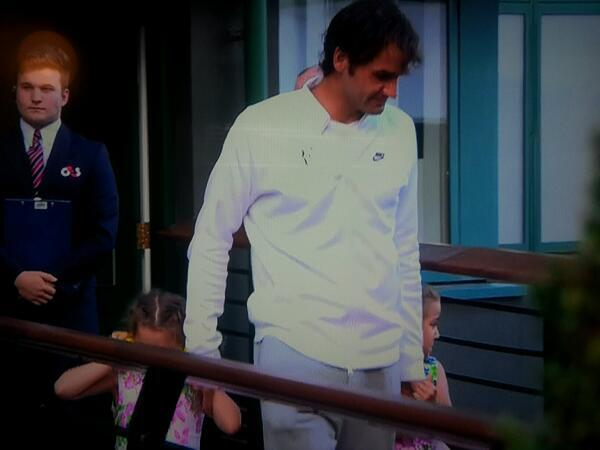 #Wimbledon.. RT @letstalktennis1 #Federer leaving with his daughters, big roar from the crowd. Too loud for the twins http://t.co/btdSTrbz0G