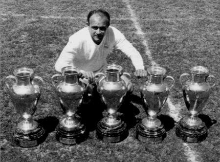 RIP Alfredo di Stefano. One of the greatest footballers ever. 5 European Cups. 3 countries represented. http://t.co/vq9y8n7hy5