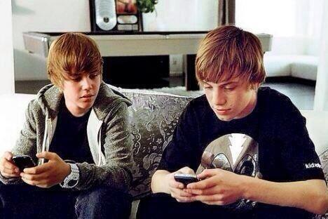 The song that not only changed Justin's life but also changed all of our lives #5YearsOfOneTime http://t.co/3KFLNiMz8d