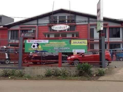 Lokasi kompetisi futsal #jadiyangbaik CUP 2014. Thx to donatur @rumahzakat @KebabBabaRafi @moz5salon @ybmbri http://t.co/80VLRJZHDF