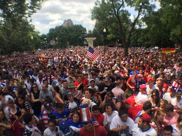 PANORAMA: Look at that crowd! Can you guess how many people are in DuPont Circle? #USAvsGermany http://t.co/yzx46IauK9
