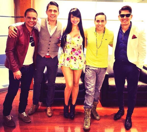 Jhey Rodriguez (@JheyRodriguez): #Vitrina #televen #3eraniversario #talentonacional http://t.co/np4rwfeNvn