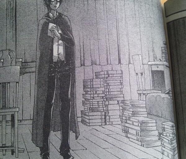 読書する華麗な姿が評判な一方、本を床積みにするとはらしくないと話題のリヴァイ兵長ですが、ここで某団長のお部屋を見てみましょう。 http://t.co/LfSUQNSOcb