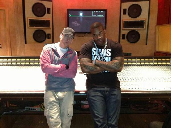 "IT'S OFFICIAL!!! THE CONGLOMERATE ENT. PRESENTS... BUSTA RHYMES FT. EMINEM ""CALM DOWN"" IS COMING JULY. 1ST http://t.co/jr6v4xiLFQ"